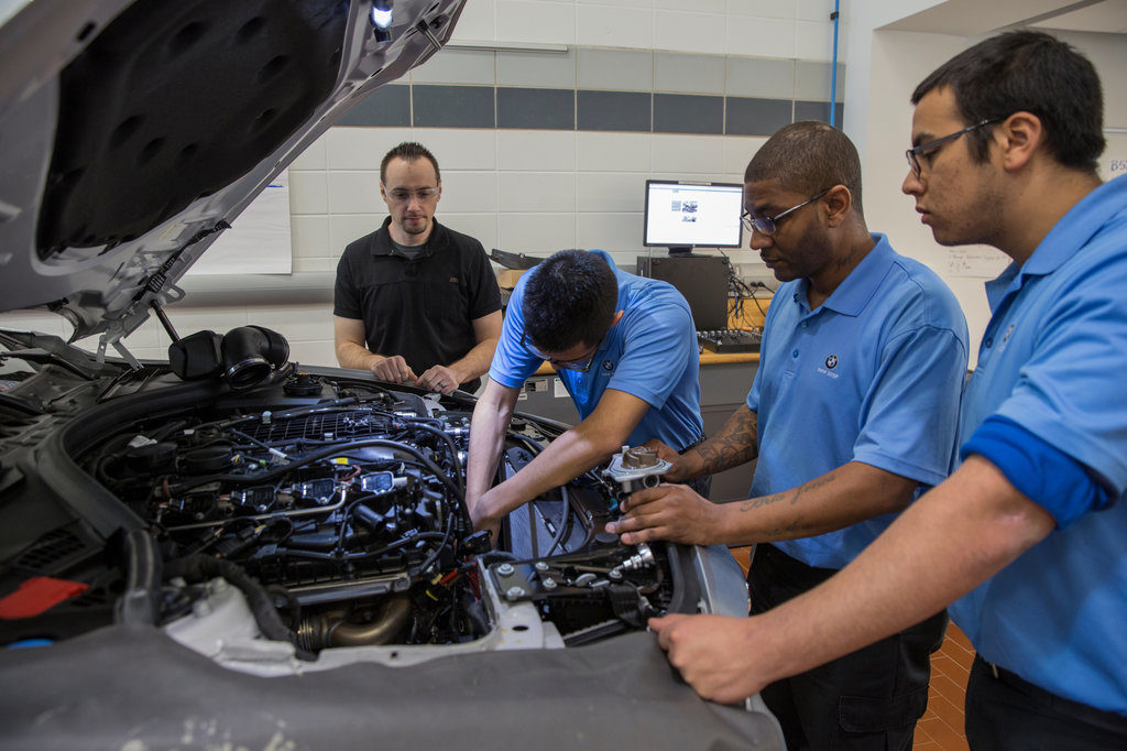 Automotive Technician List Four Careers In The Automotive Repair Industry