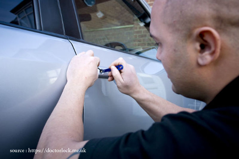 Why You Should Hire an Auto Locksmith When You're Locked Out of Your Car